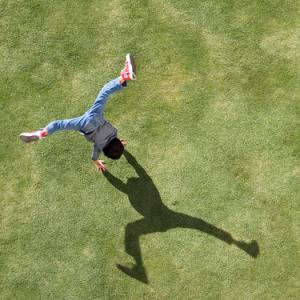 getty-cartwheel