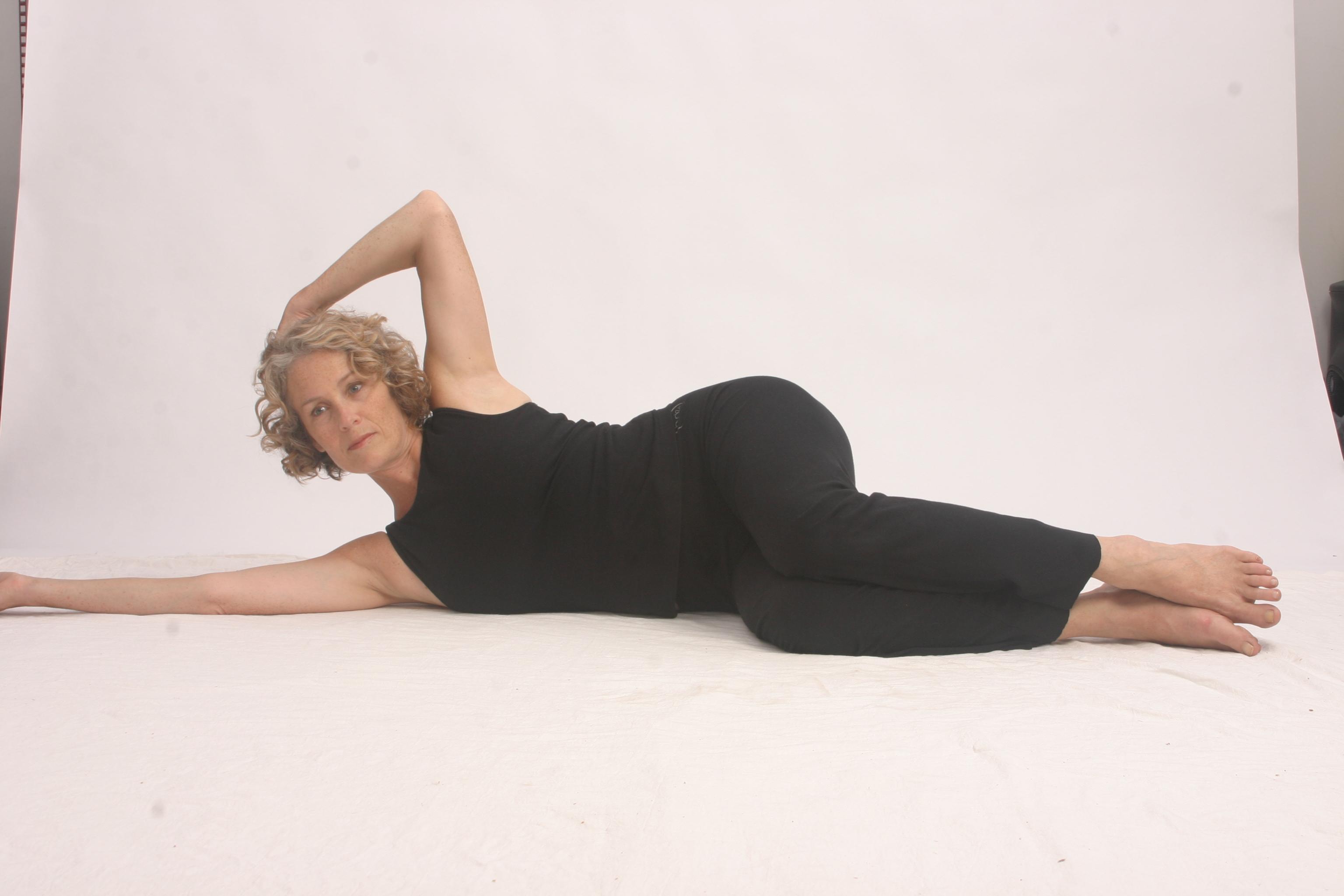 Bridget fonda fabulous legs